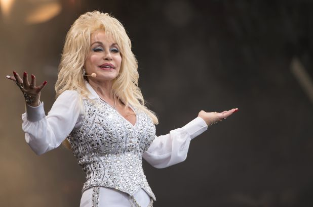 Washington Post: Dolly Parton is the superhero America needs in 2020